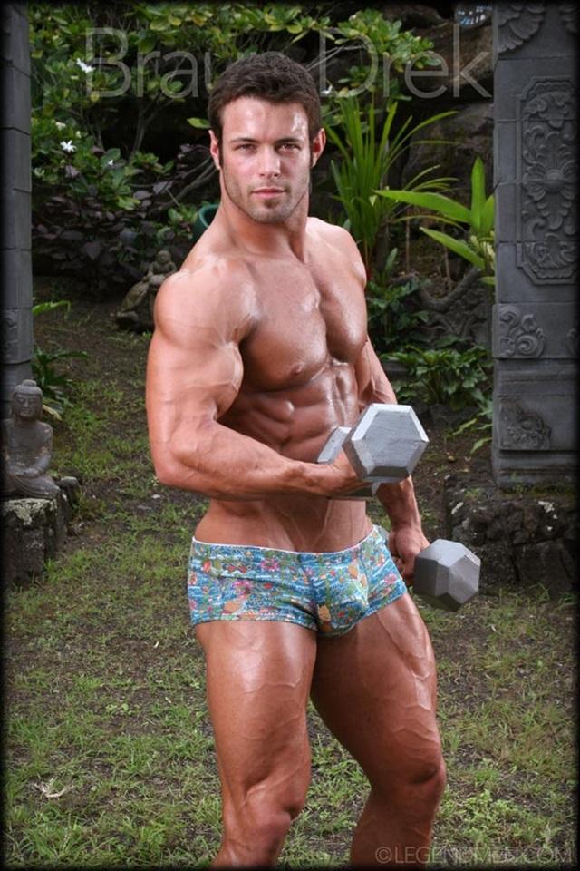Braun-Drek-Legend-Men-Gay-Porn-Stars-Muscle-Men-naked-bodybuilder-nude-bodybuilders-big-muscle-huge-cock-002-gallery-video-photo