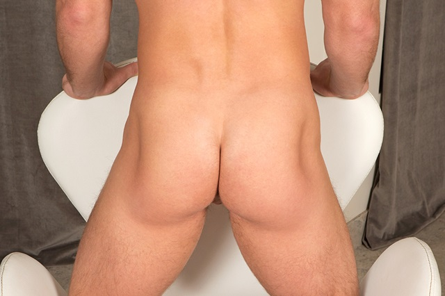 Sean-Cody-Jake-tattoo-muscle-jock-thick-dick-bubble-butt-sportsman-nude-001-male-tube-red-tube-gallery-photo
