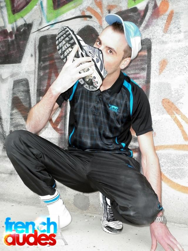 French-Dudes-Jordan-Kiffeur-Greg-Centuri-hard-cock-face-fucking-Nike-sneaker-worship-ass-tongue-finger-002-male-tube-red-tube-gallery-photo