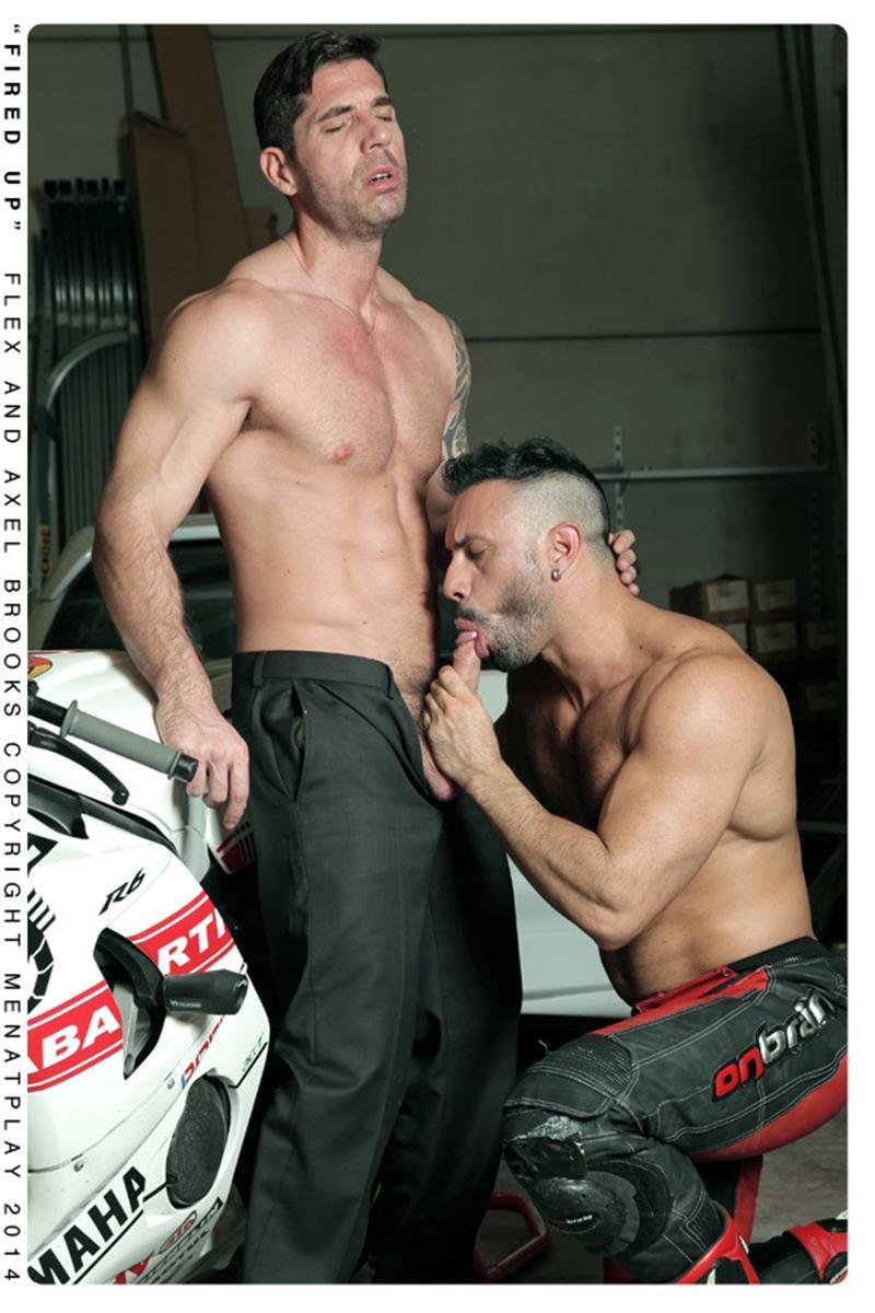 MenatPlay-Sexy-tattoo-Axel-Brooks-motorbike-rider-Flex-Xtremmo-leather-Power-bottom-muscle-cock-asshole-huge-cumshot-006-tube-video-gay-porn-gallery-sexpics-photo