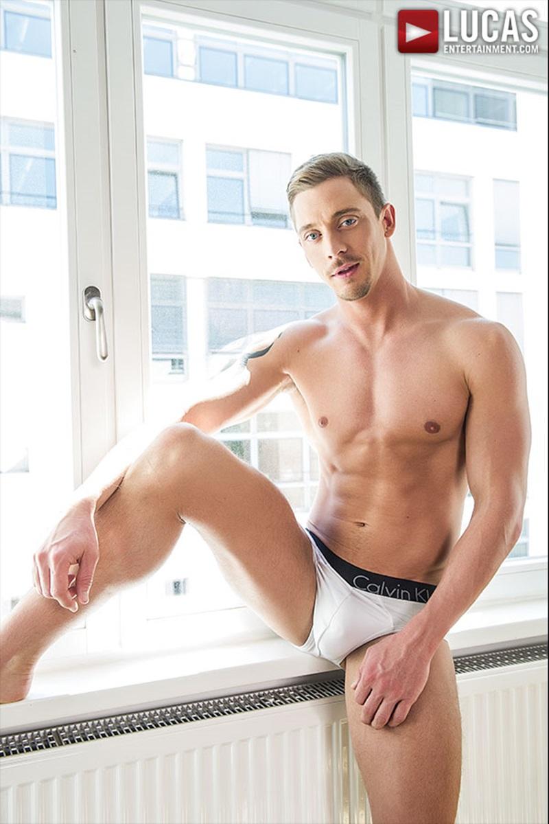 LucasEntertainment-sexy-naked-muscle-tattoo-men-Sergeant-Miles-uncut-Aussie-huge-cock-versatile-flip-flop-fucking-Michael-Lachlan-butt-02-gay-porn-star-sex-video-gallery-photo