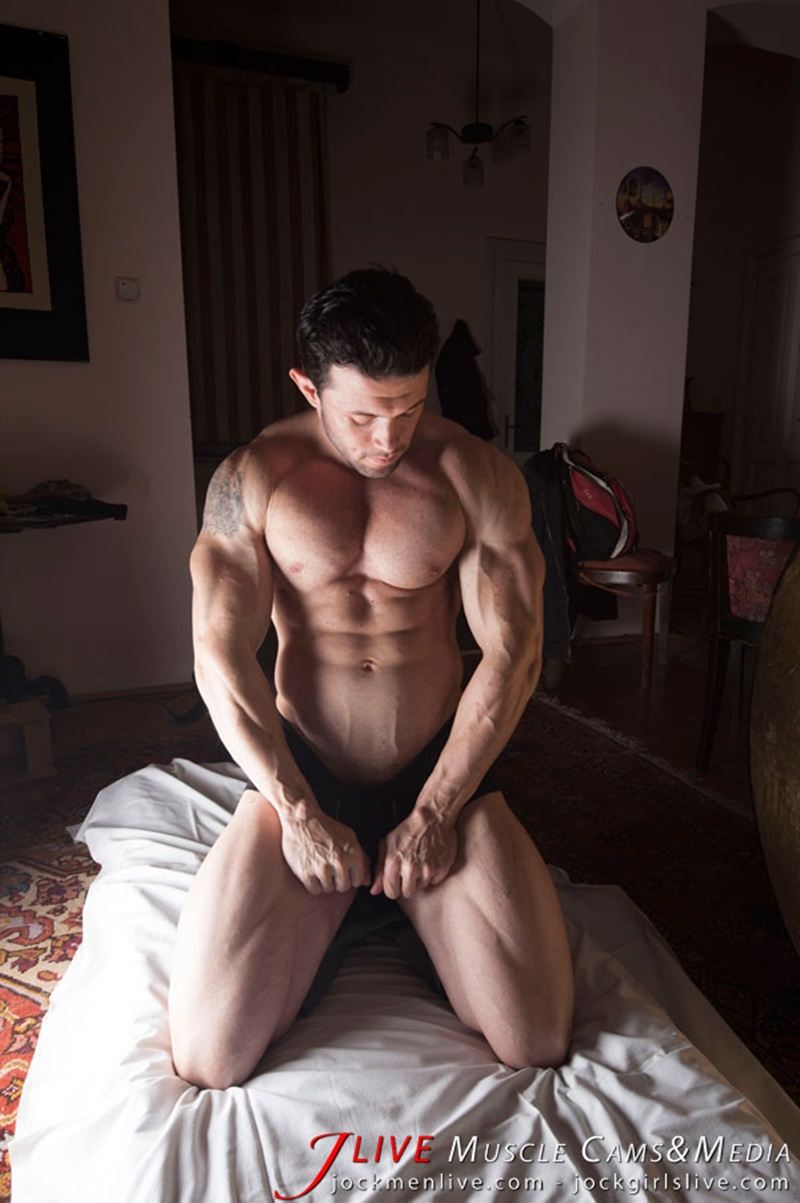 jockmenlive-jock-men-live-muscle-show-steve-bulk-massive-muscle-bodybuilder-naked-muscleman-huge-arms-lats-ripped-abs-001-gay-porn-sex-gallery-pics-video-photo