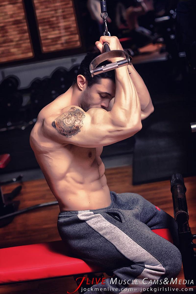 jockmenlive-jock-men-live-muscle-show-steve-bulk-massive-muscle-bodybuilder-naked-muscleman-huge-arms-lats-ripped-abs-002-gay-porn-sex-gallery-pics-video-photo